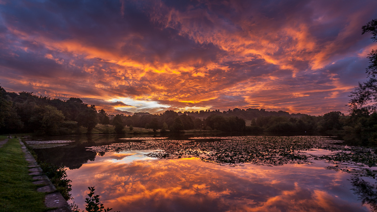 Hardwick Hall Lake sunrise